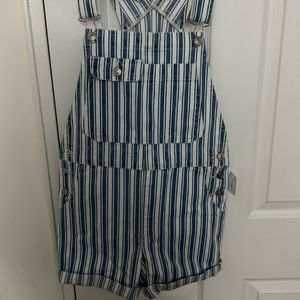 American Eagle Outfitters Jeans - NWT American Eagle overalls 💙